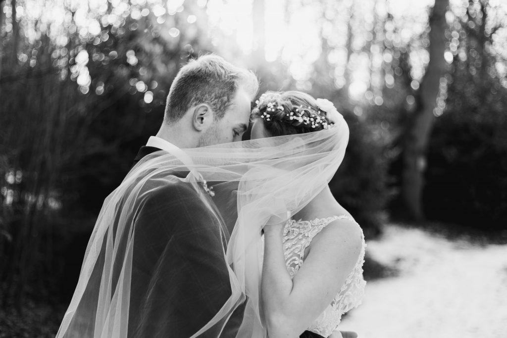 banbury oxfordshire winter wedding kissing under the veil