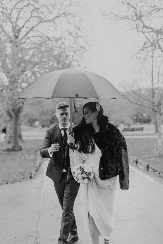 Troy and Laura Dublin City Wedding st stephens green